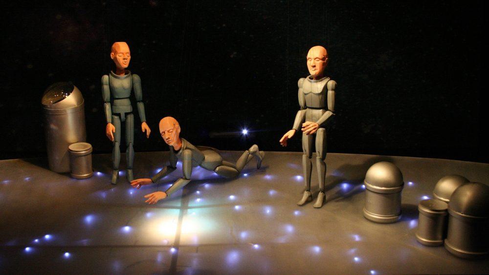 Bühnenflug durchs Universum